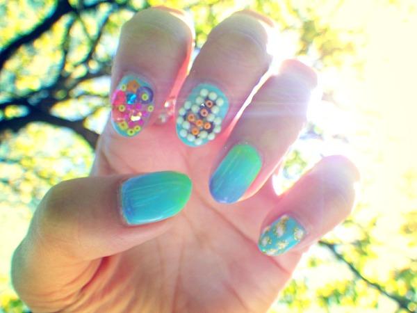 1405252111modeles ongles le gel uv vernis nail art commencement de ete nail salon styliste prothésiste ongulaire à nantes.jpg