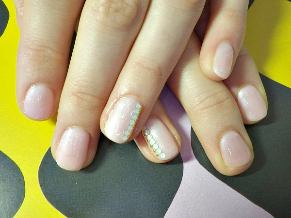 IMGP2422 modeles ongles nail art nail salon styliste prothésiste ongulaire à nantes rose chic discret.