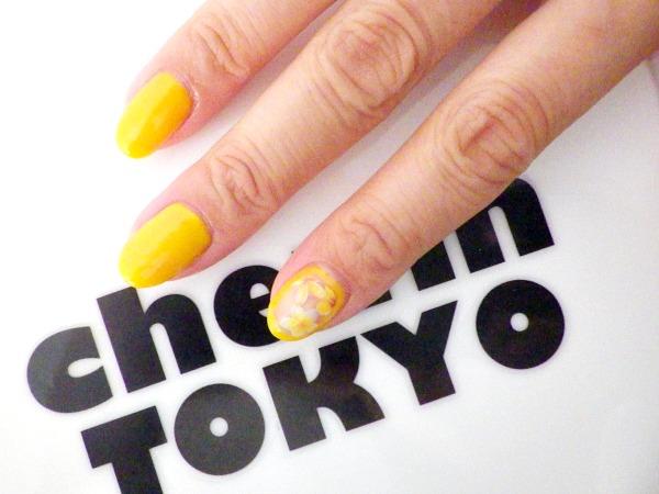Ongle en gel jaune for Salon prothesiste ongulaire