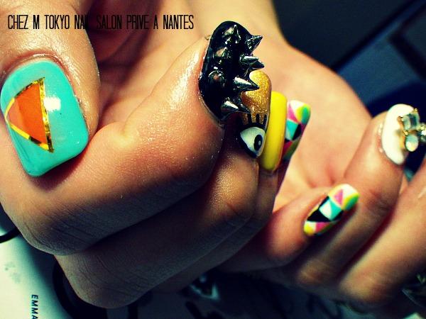IMGP3066 modeles ongles nail art mode fashion yeux bijoux geometrique nail salon styliste prothésiste ongulaire à nantes.jpg