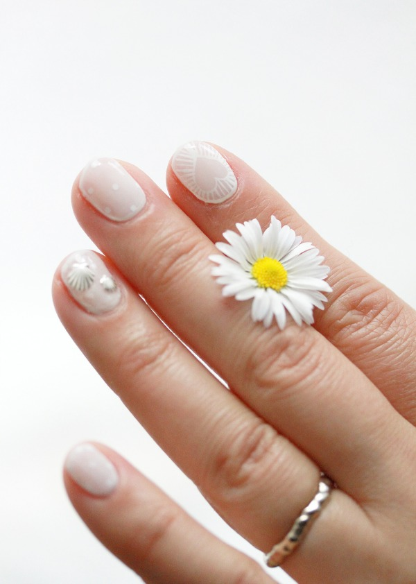 IMG_0104Bmodeles ongles nail art not lame nail salon styliste prothésiste ongulaire à nantes.jpg
