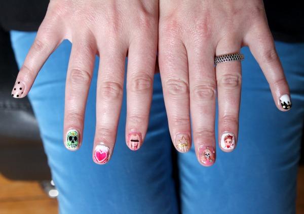 IMG_5968_modeles ongles nail art un enterrement de vie de jeune fille salon styliste prothésiste ongulaire à nantes.jpg