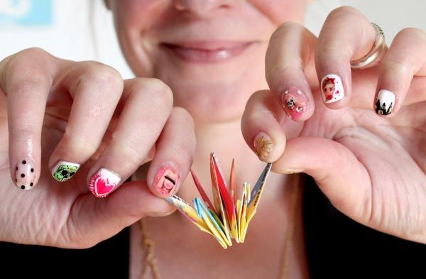 IMG_6009modeles ongles nail art un enterrement de vie de jeune fille salon styliste prothésiste ongulaire à nantes.jpg