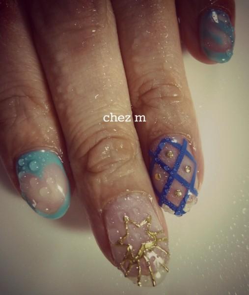 P1140647 modele nail art clear blue dore